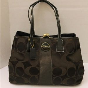 HP✨Coach SignatureSatin Kisslock Bag H11173-F18036